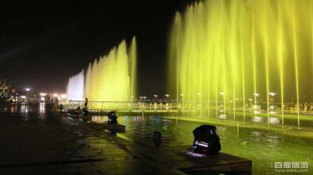 红谷新城 秋水广场